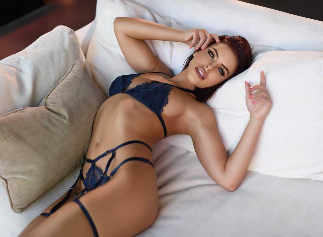 Adriana Chechik Bikini Figure