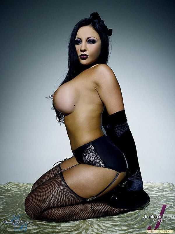 Audrey Bitoni Tits