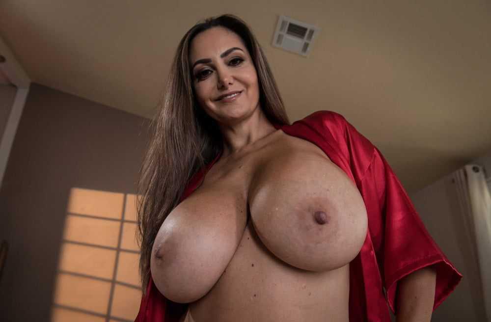 Ava Addams Big Tits MILF