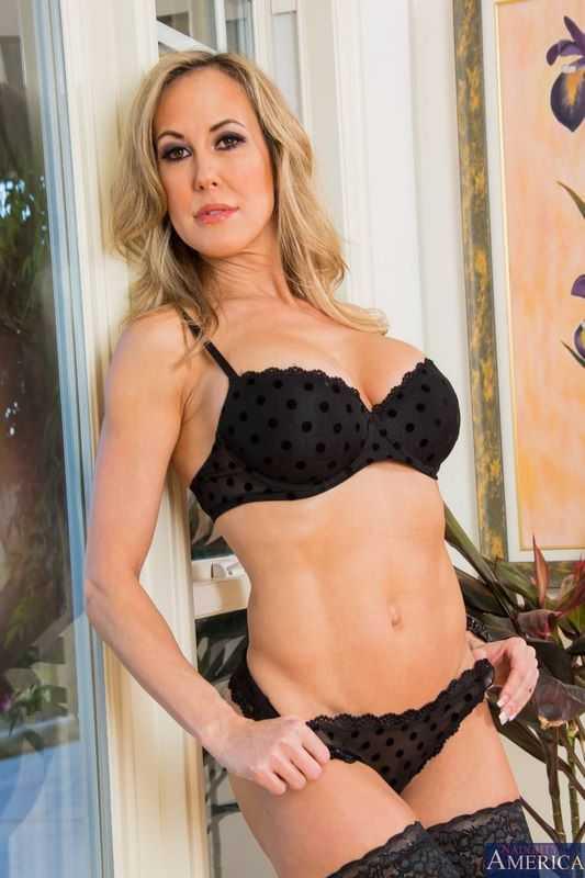 Brandi Love Bikini Pornstar