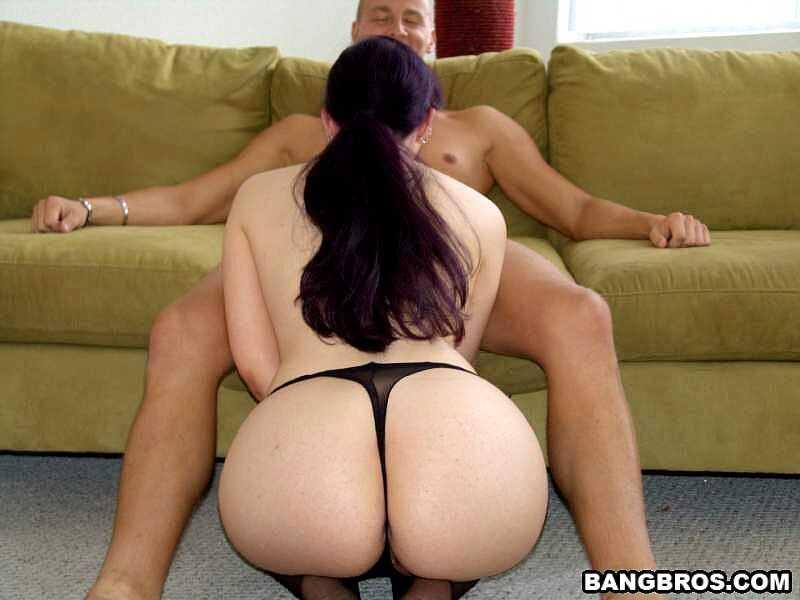 Caroline Pierce Sexy big ass MILF