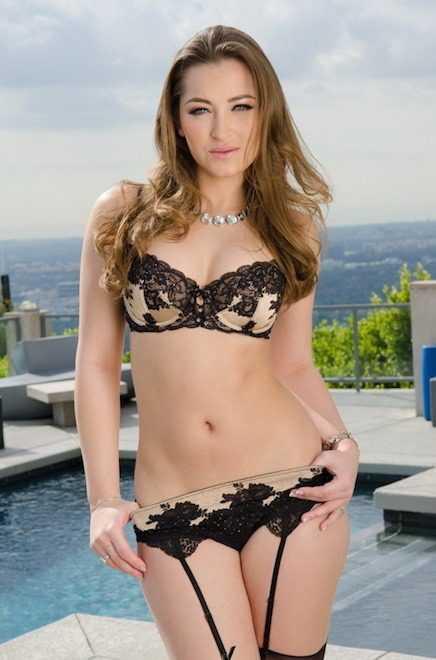 Dani Daniels Bikini Pornstar girl