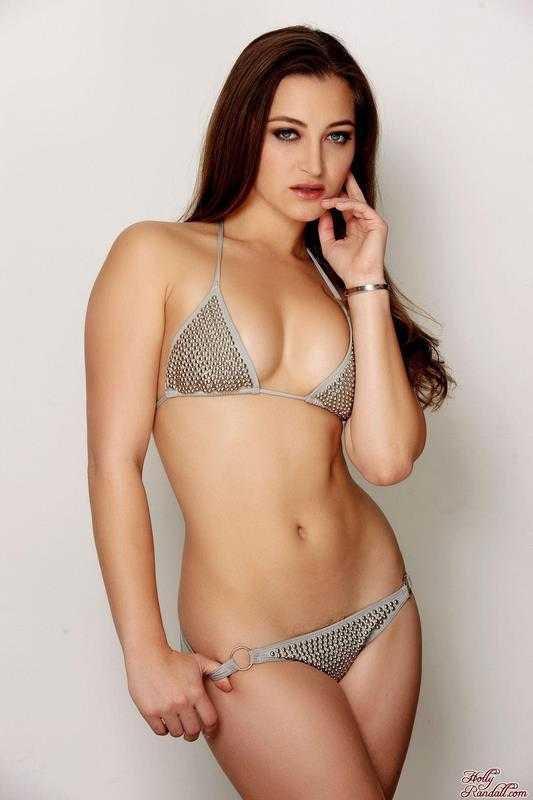 Dani Daniels Bikini Figure