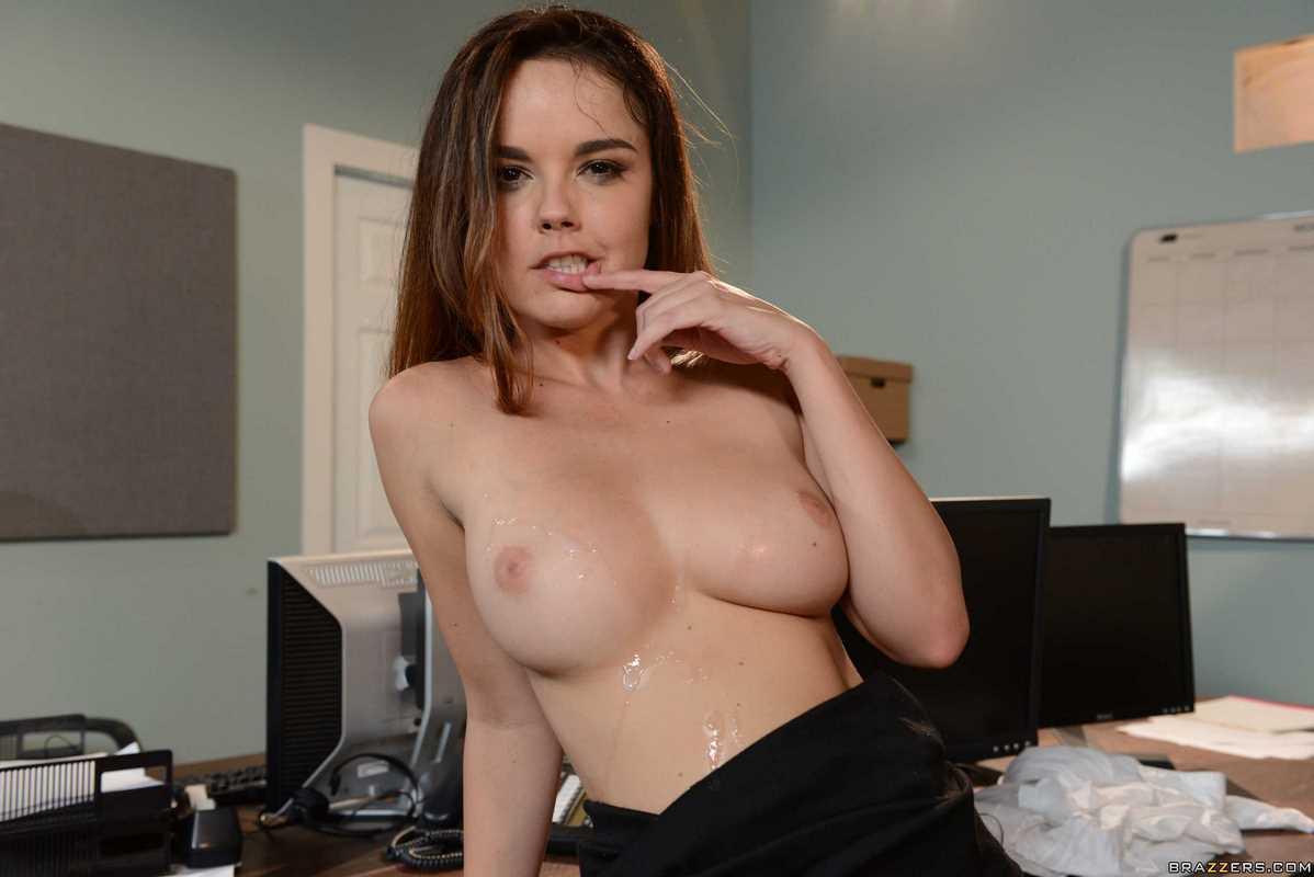 Dillion Harper boobs