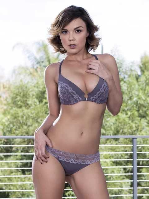 Dillion Harper in bikini