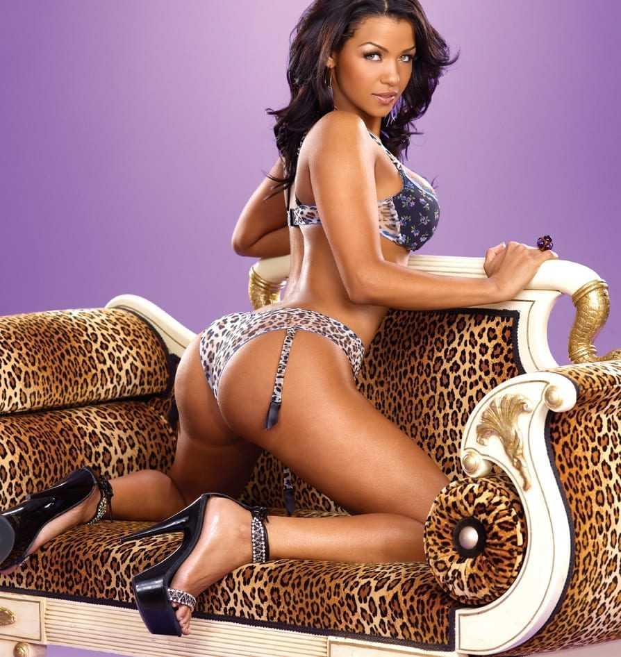Hot Black girl in a bikini