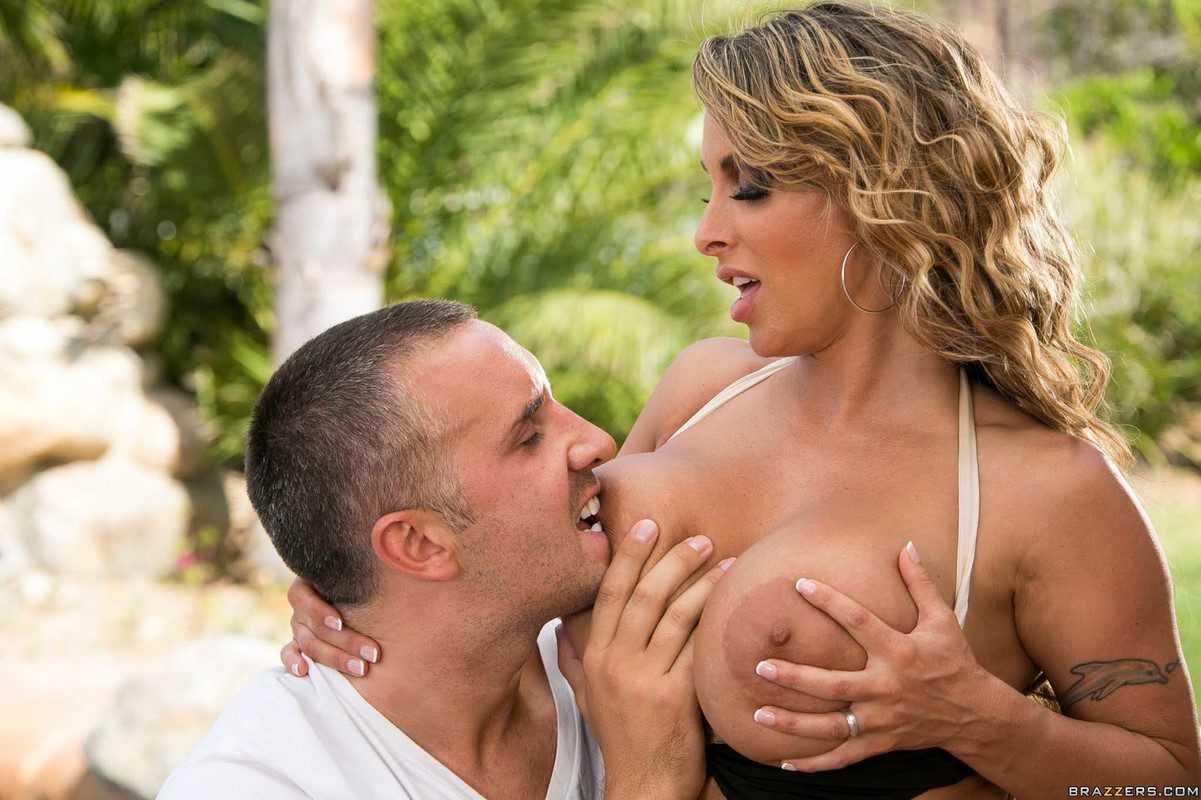 Holly Halston Big boobs MILF Pornstar