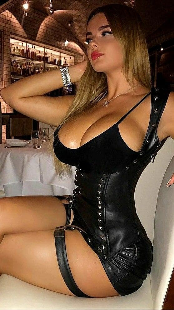 Hot Girl Beauty With Big Tits