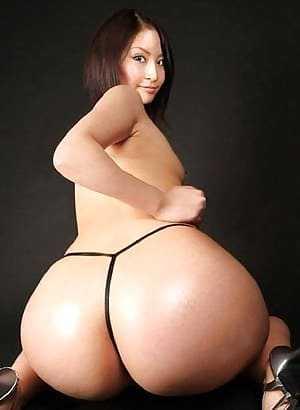 Asian girl with a big sexy ass in a bikini.