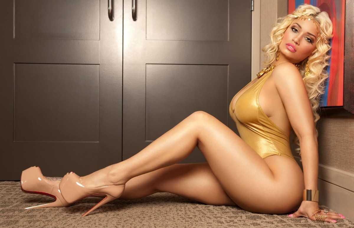 Beautiful body sexy girl with big boobs and butt in a bikini