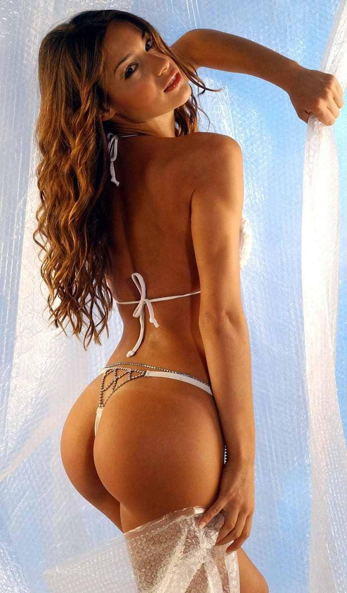 Beautiful and sexy Sofia Vergara in a bikini