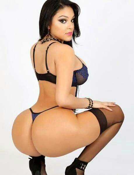 Hot babe with beautiful ass in bikini photo.