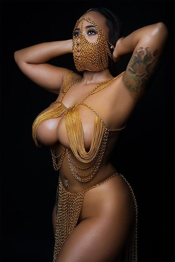 Sexy Black Woman With Big Boobs Pics